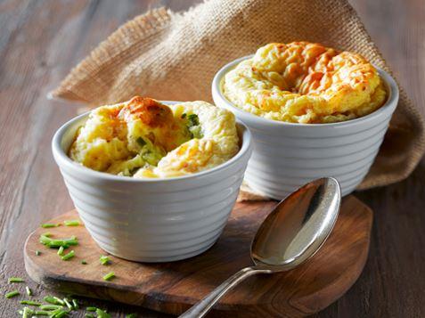 Bagt Kartoffelmos Med Æg kartoffelsouffleer med spændende fyld | ama